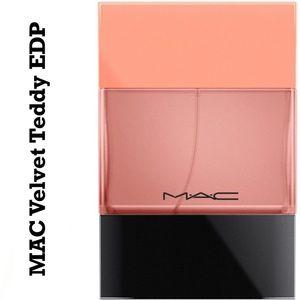 MAC Shadescents Velvet Teddy NIB
